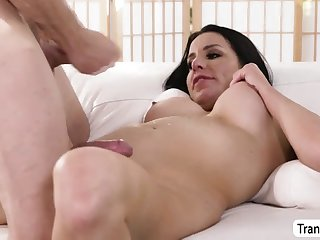 hot curvy ts marissa minx fulfill dudes anal needs