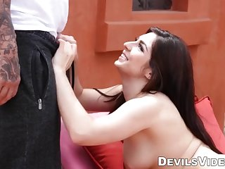 poolboy derrick pierce cleans alura jensons pussy as well