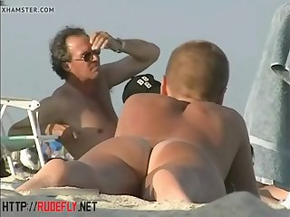 spy nude cams on the beach get a lot of naked chicks